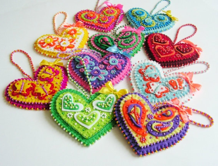 deko-herzen-wunderschöne-bunte-farben