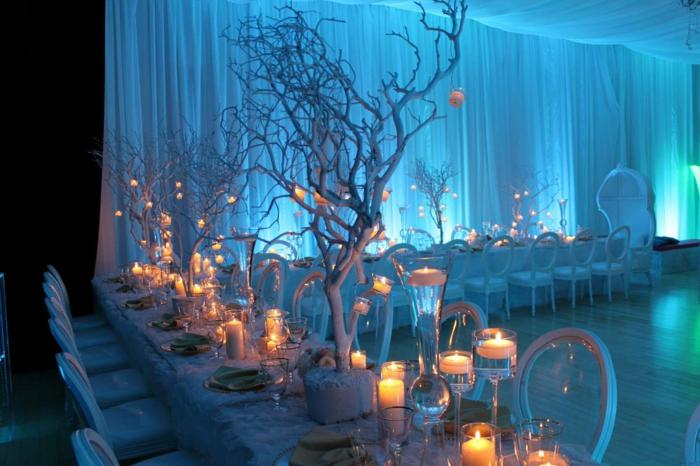 dekoideen-für-hochzeit-blaue-beleuchtung
