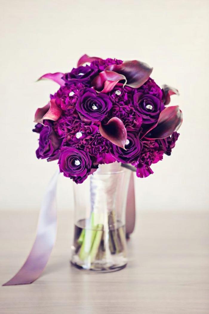 dekoideen-für-hochzeit-super-schöne-lila-farbe