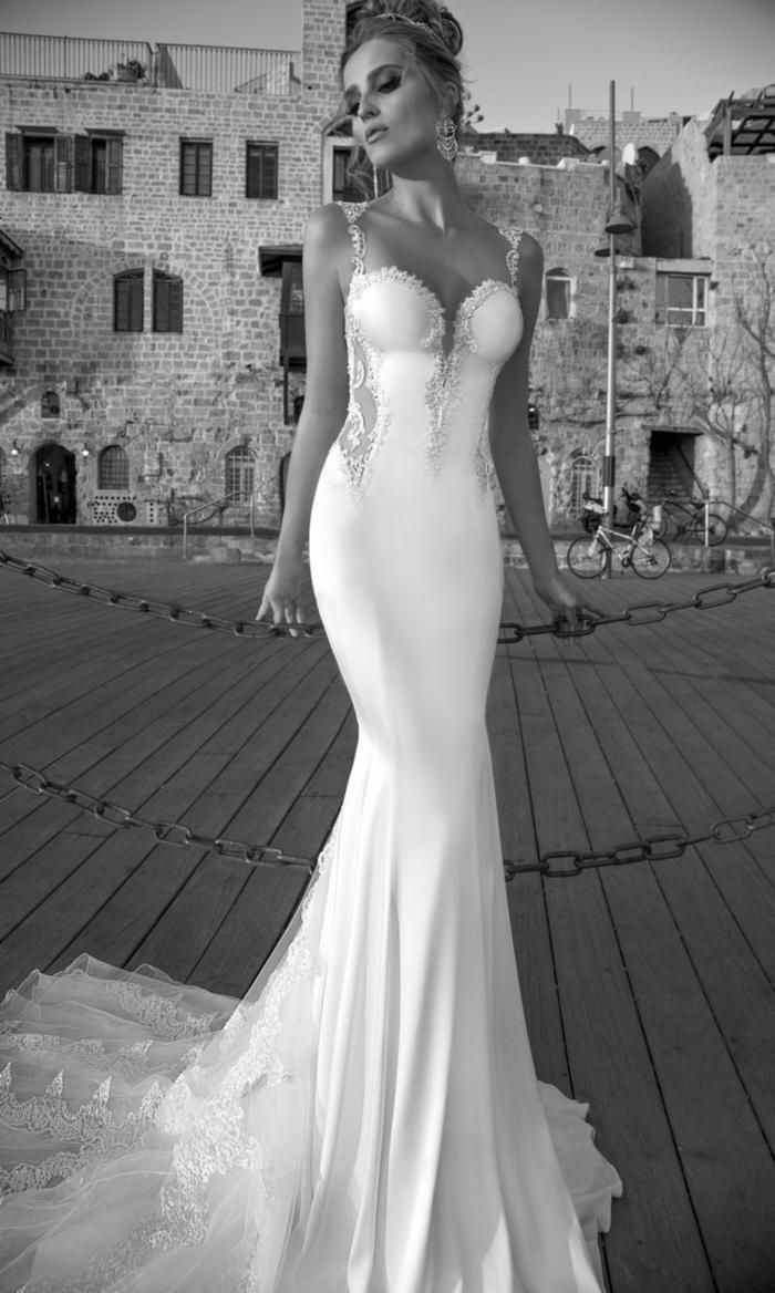 designer-brautkleider-foto-in-weiß-und-schwarz