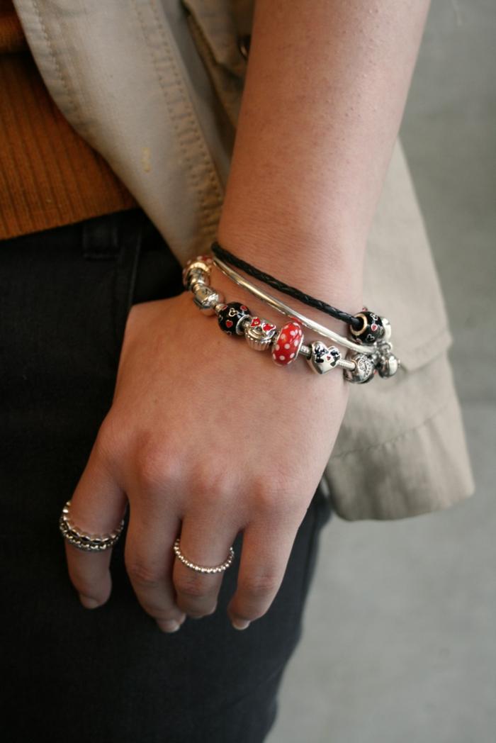 disney-tassen-und-accessoires-ein-schöner-armband