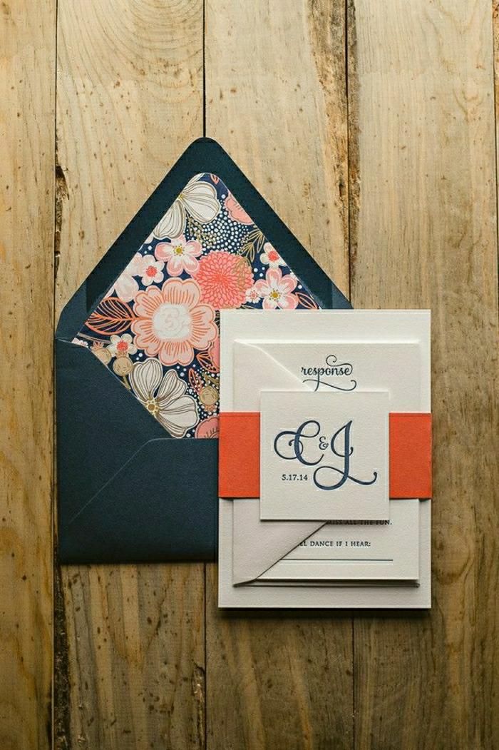 einladung-hochzeit-feines-Design-schwarzer-Briefumschlag-Blumen-Dekoration