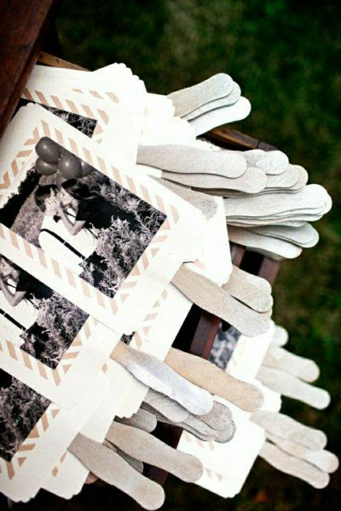 einladungskarten-selbst-gestalten-kreative-Idee-schwarz-weiße-Fotos-romantisch