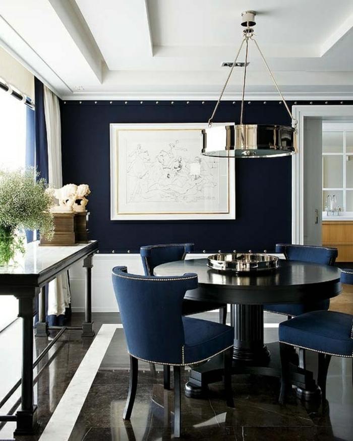 elegante-Einrichtung-dunkelblau-asristokratische-Möbel-Leuchte-Metall-Oberfläche