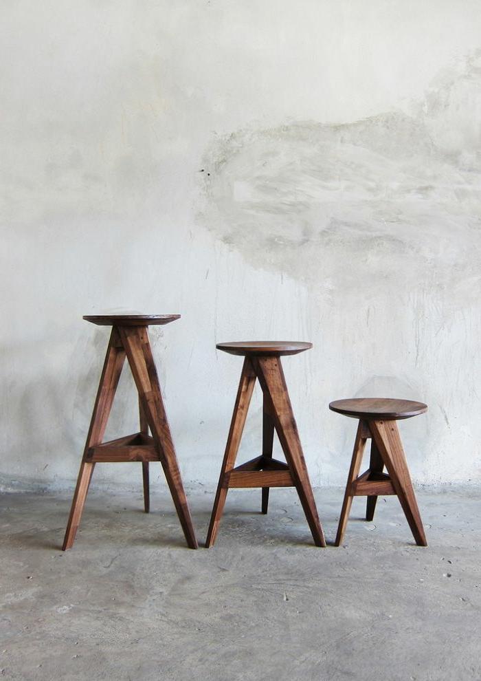elegantes-hocker-design-Holz-drei-Größen