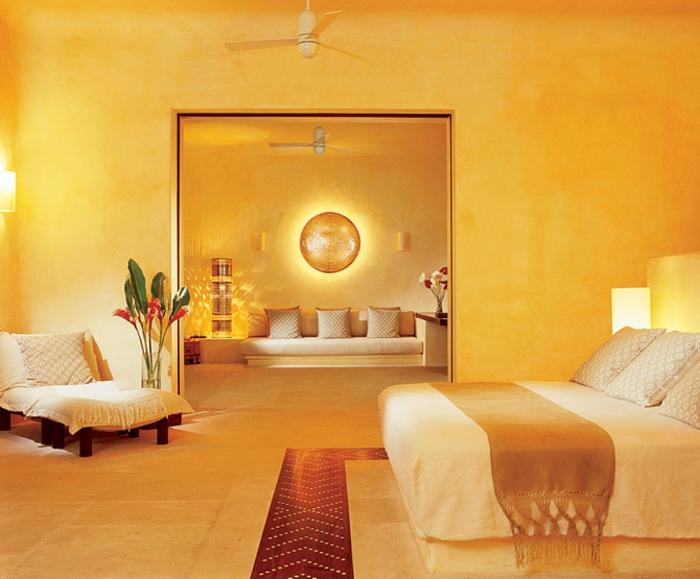 farbe-gold-in-der-einrichtung-exotisches-schlafzimmer