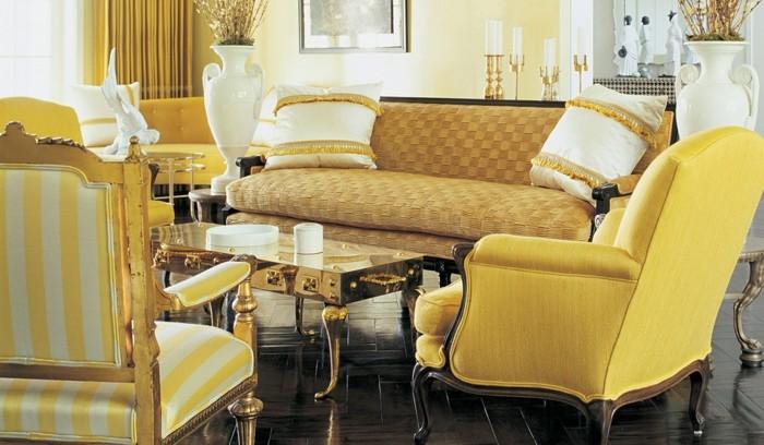farbe-gold-in-der-einrichtung-herrliches-wohnzimmer