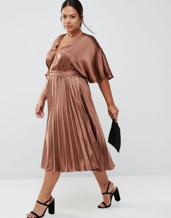 hochzeitsgast outfit ideen, langes kupferfarbenes kleid mit weiten ärmeln, festliche kleider für große größen,