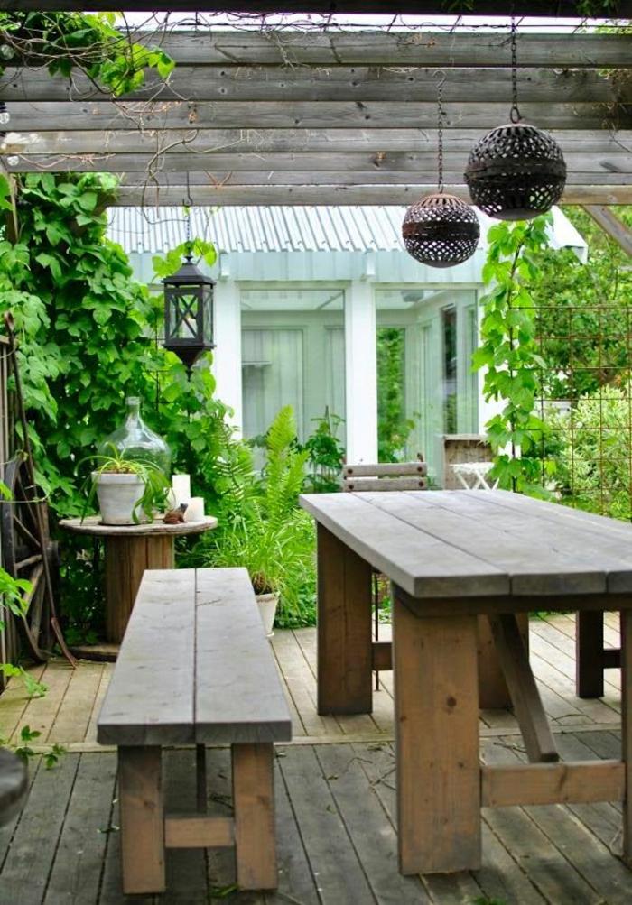 gartenmöbel-holz-rustikal-Veranda
