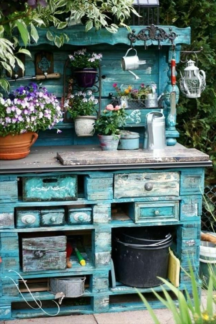 gartenmöbel-holz-rustikal-blau-vintage-Garten-Zubehör
