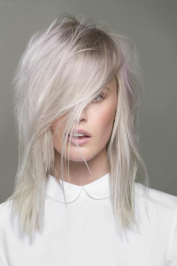 graue- haare-hell-weiß-hemd