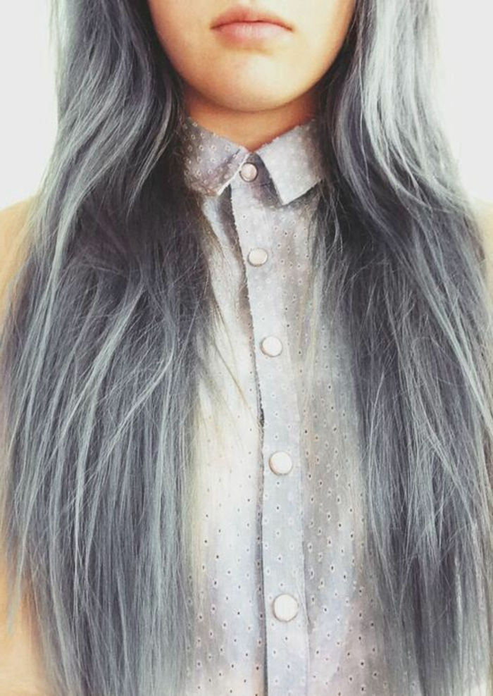 graue- haare-junges-mädchen