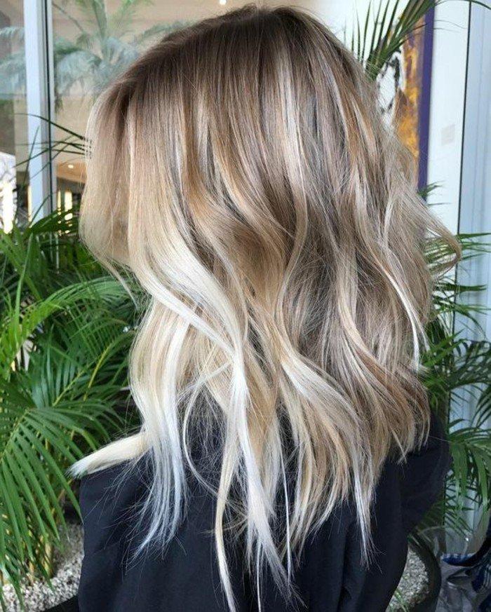 graue-haare-moderner-frisur