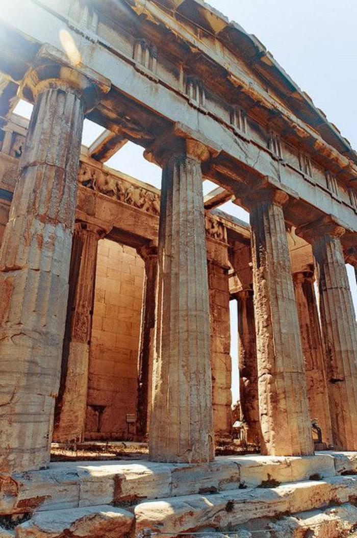 griechische-architektur-große-säulen