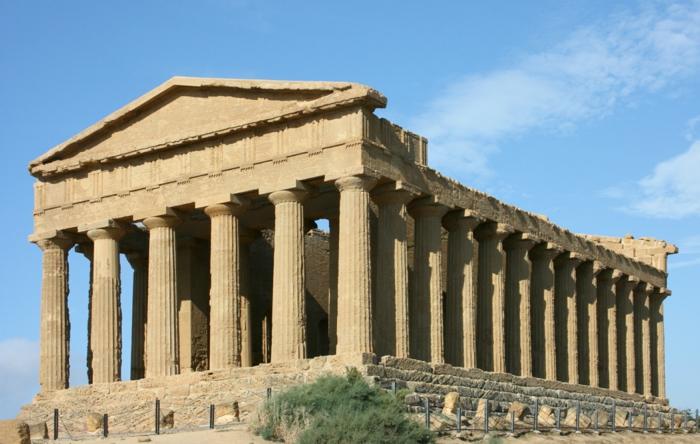 griechische-architektur-schön-und-großzügig