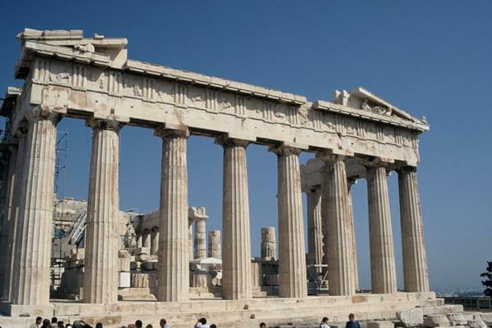 griechische-architektur-wunderschöne-gestaltung-mit-säulen