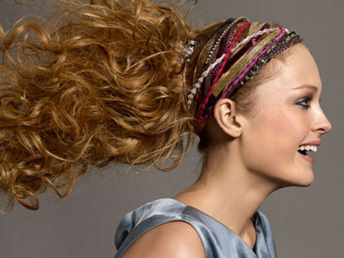 haar- accessoires-lange-haarfrisur