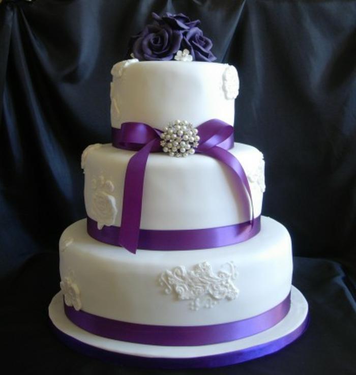 35 Beispiele Fur Hochzeitstorte In Lila Archzine Net