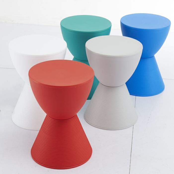 hocker-mit-stauraum-einige-modelle-in-verschiedenen-farben