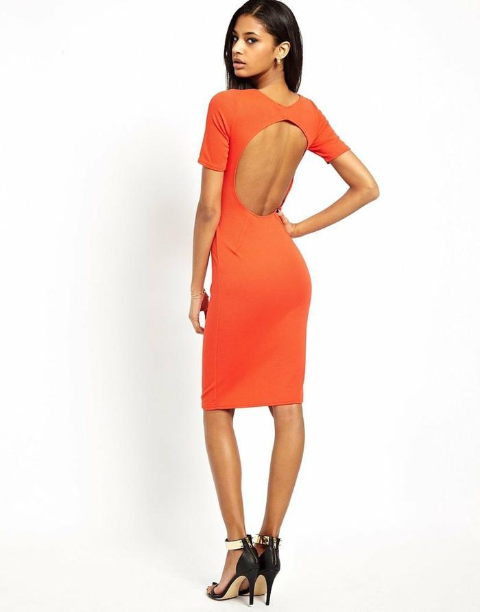 kleid-in-orange-einfach-verblüffend-aussehen