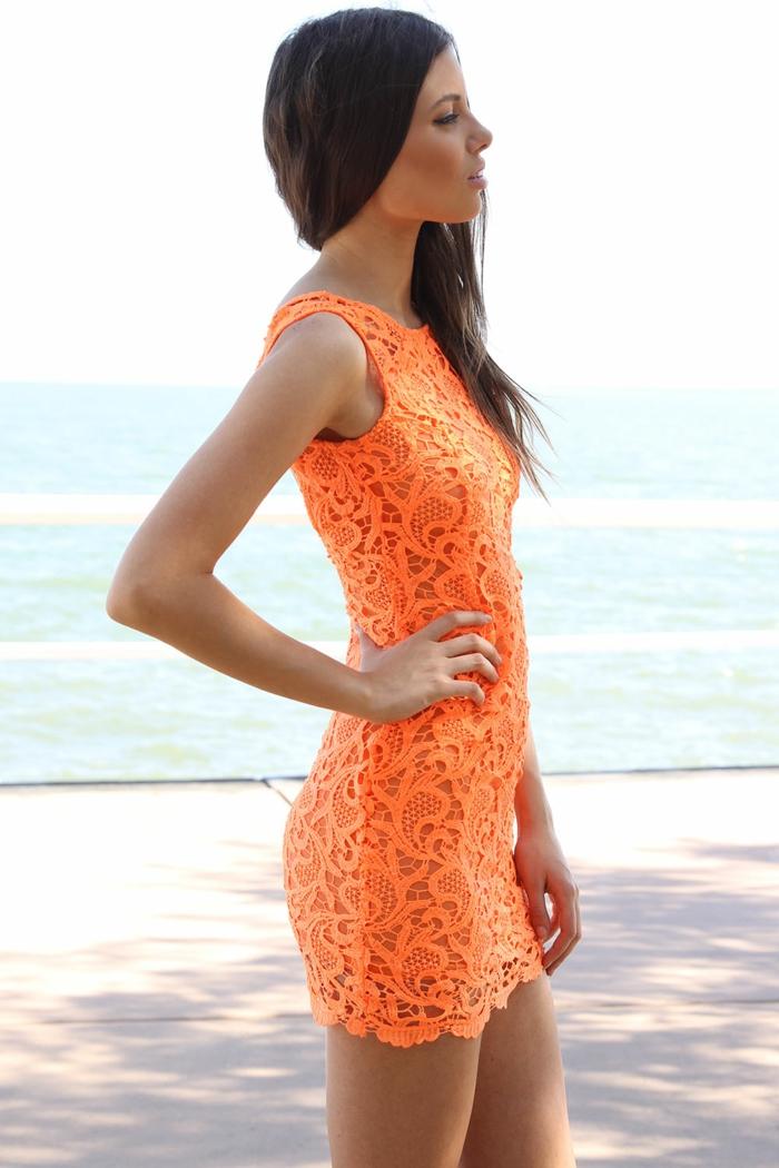 kleid-in-orange-herrliches-kurzes-design