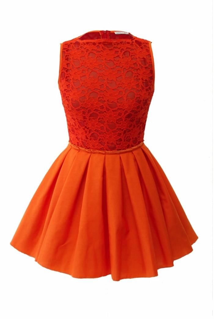 kleid-in-orange-hintergrund-in-weiß