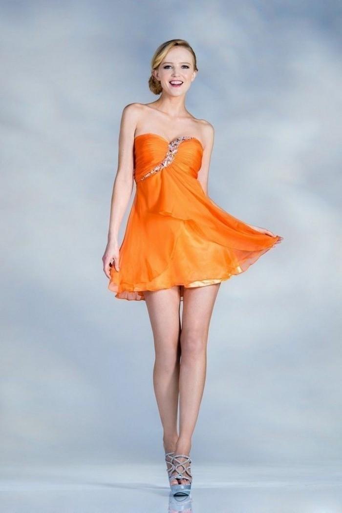 kleid-in-orange-inspirierendes-modell