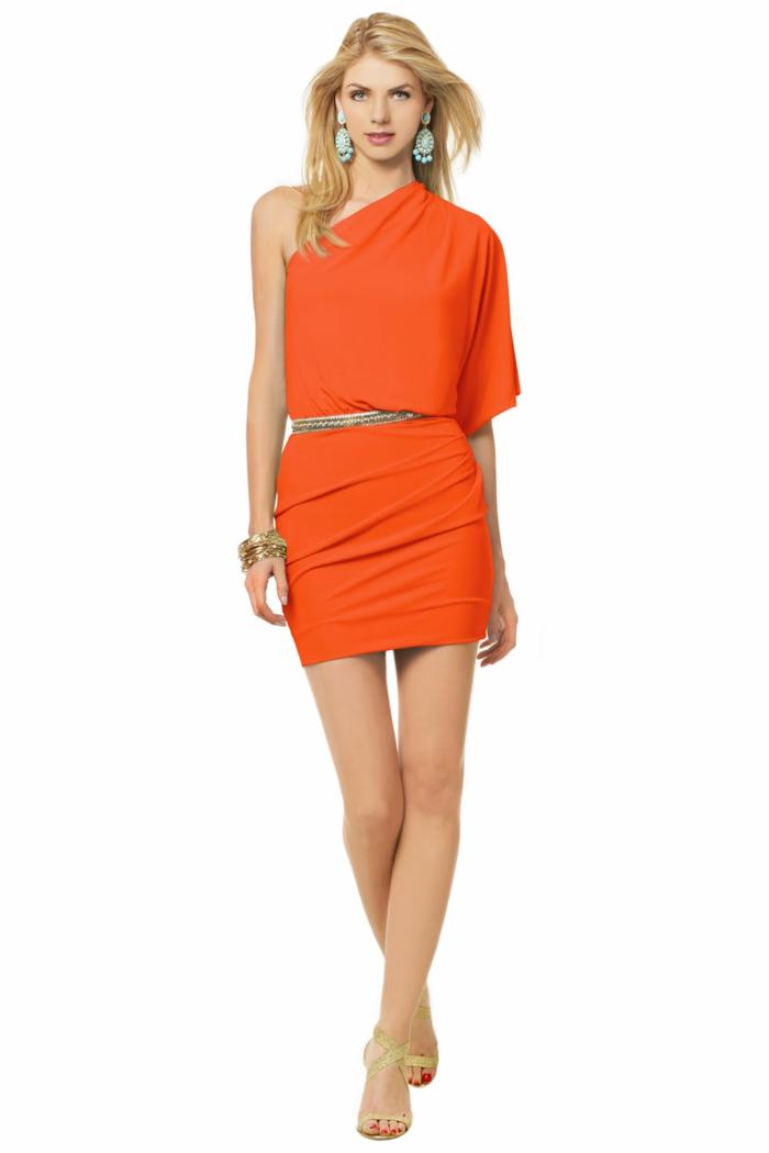 kleid-in-orange-sehr-kreatives-modell