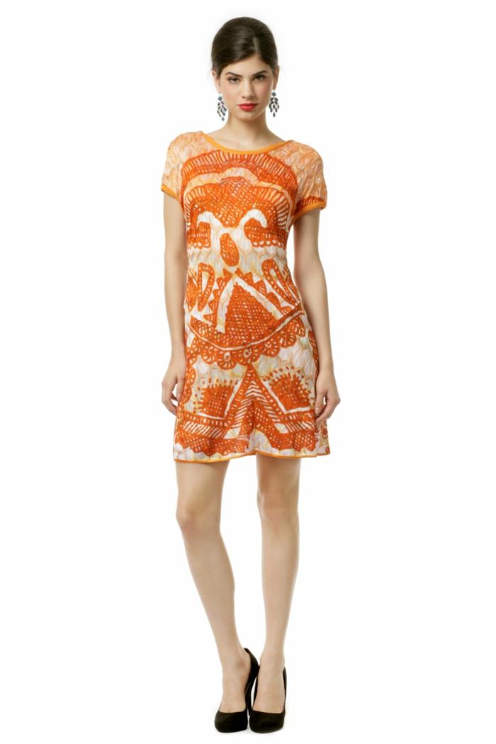 kleid-in-orange-super-schönes-design