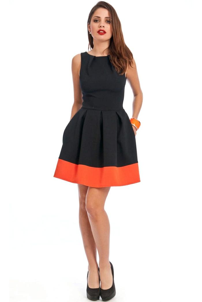 kleid-in-orange-und-schwarz