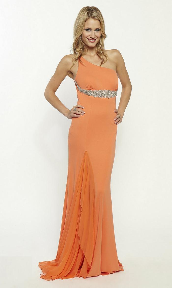 kleid-in-orange-wunderschönes-langes-modell