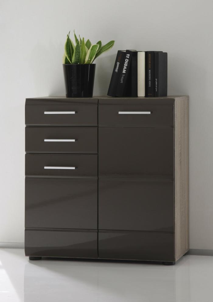 kommode-in-schwarz-modernes-aussehen