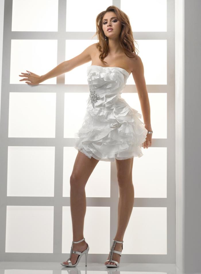 Ausgezeichnet Frauen Hochzeitskleid Fotos - Brautkleider Ideen ...