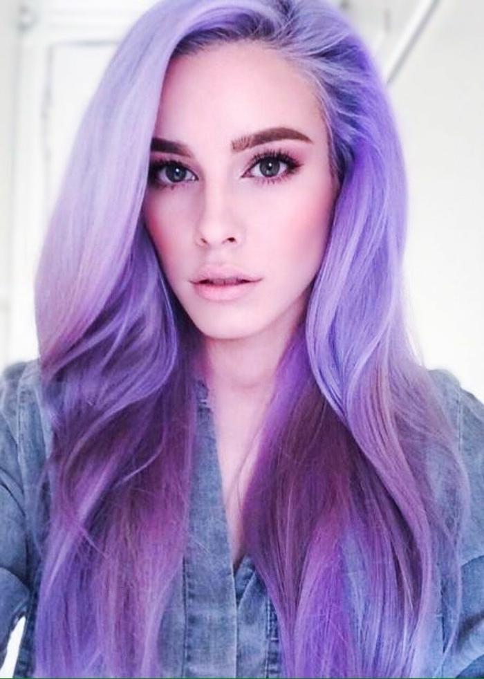 lila-haarfarbe-bleich-und-interessant