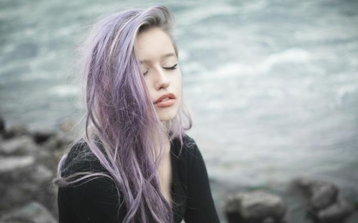 lila-haarfarbe-bleiche-nuancen