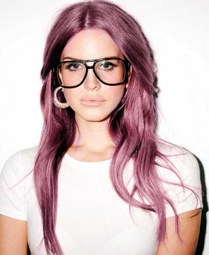 lila-haarfarbe-brillen