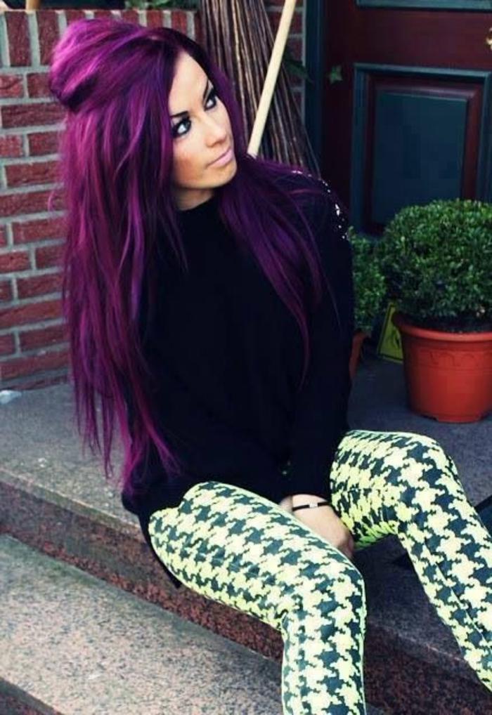 lila-haarfarbe-lang-und-interessant