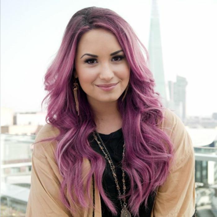 lila-haarfarbe-rosige-schöne-farbe