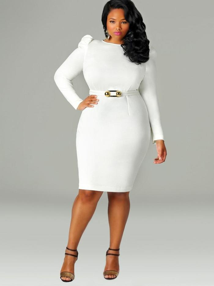 mode-für-mollige-weißes-schickes-kleid