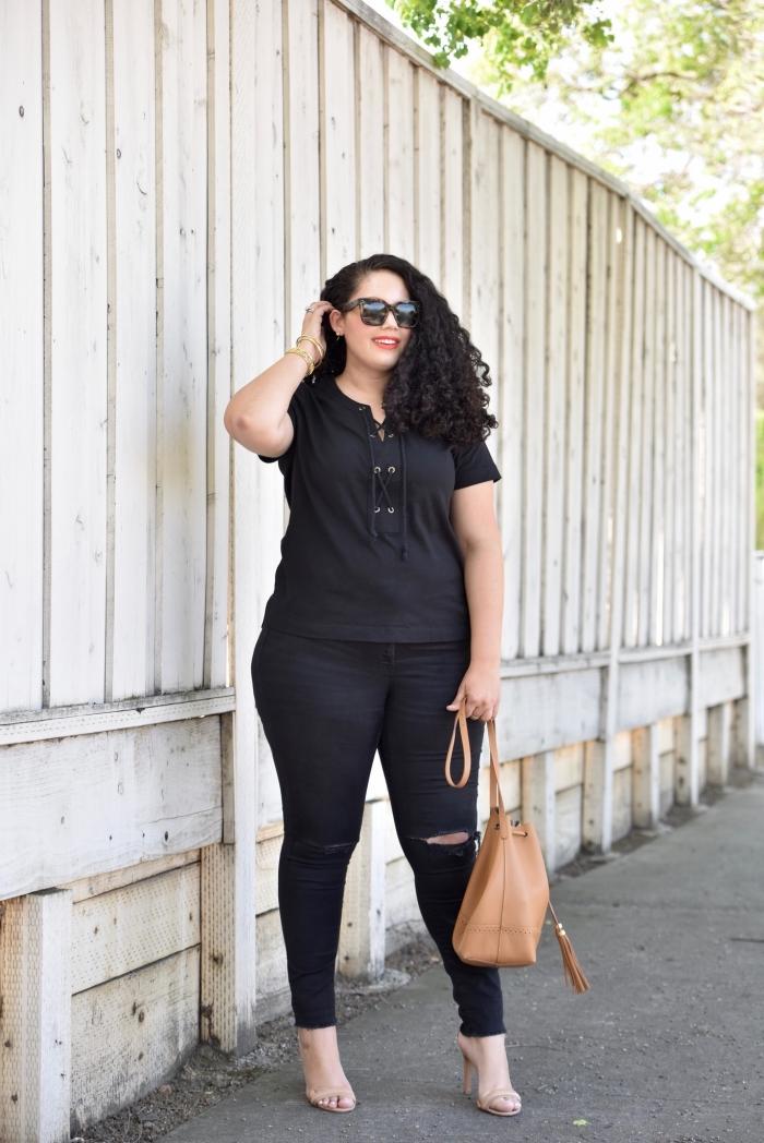 mode für große großen, schwarze hosem bluse mit kurzen ärmeln, große hellbraune tasche