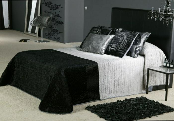 moderne-Schlafzimmer-Gestaltung-schwarz-weiß-elegant-stilvoll-Satin-Bettüberwurf