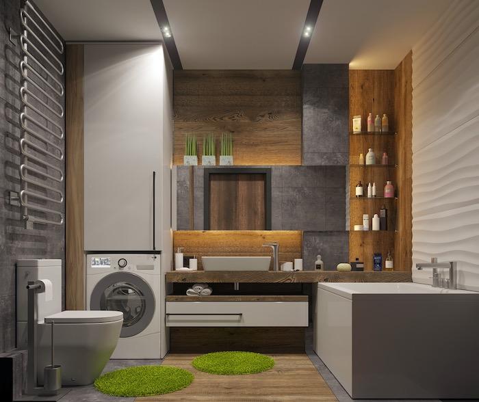 Badmöbel und Boden aus Massivholzm Badewanne und Waschbecken aus Keramik