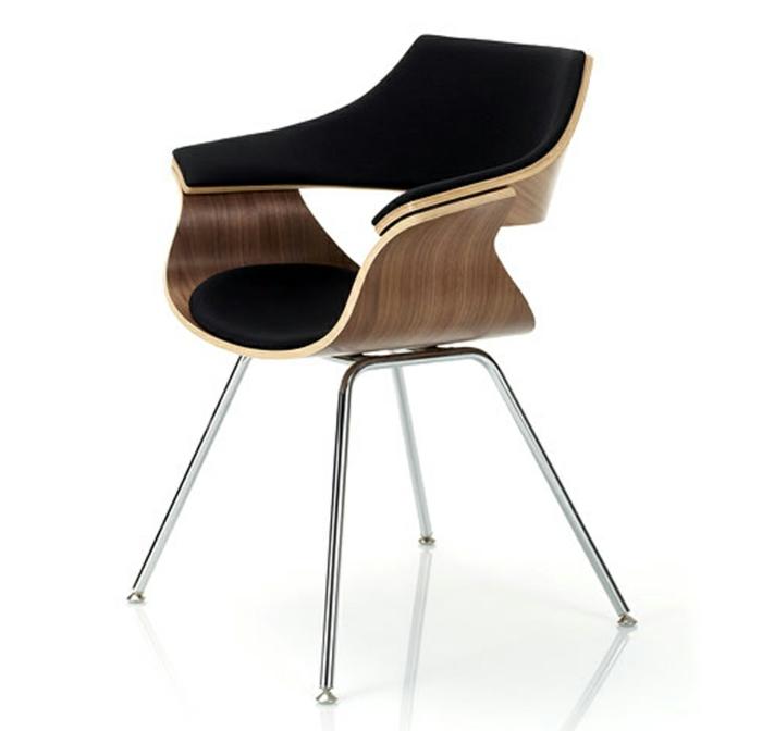 moderner-Stuhl-Holz-klassische-Elemente