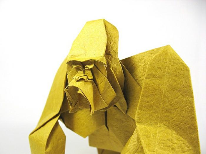 origami-tiere-ein-gorilla-in-gelb