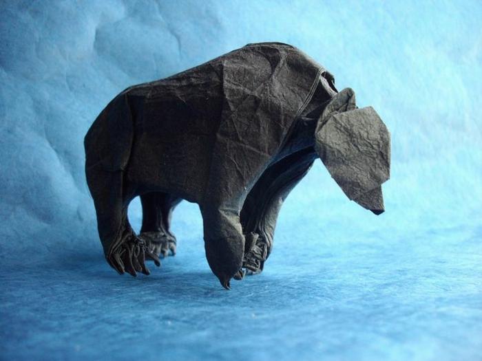origami-tiere-ein-großer-bär