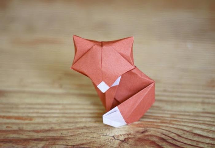 origami-tiere-ein-kleiner-süßer-fuchs