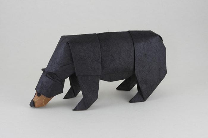 origami-tiere-ein-schwarzer-bär