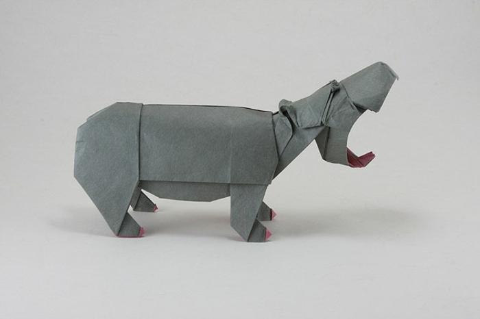 origami-tiere-flusspferd-mit-einem-großen-mund