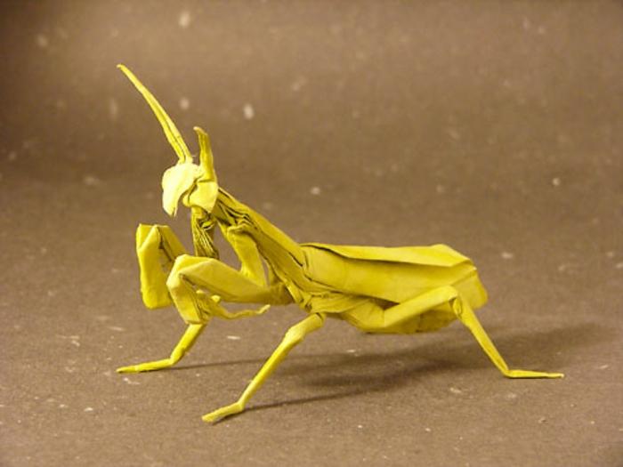 origami-tiere-gelbe-heuschrecke