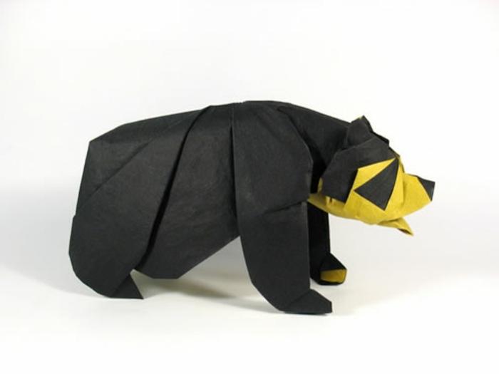 origami-tiere-schwarzer-bär-mit-gelbem-maul